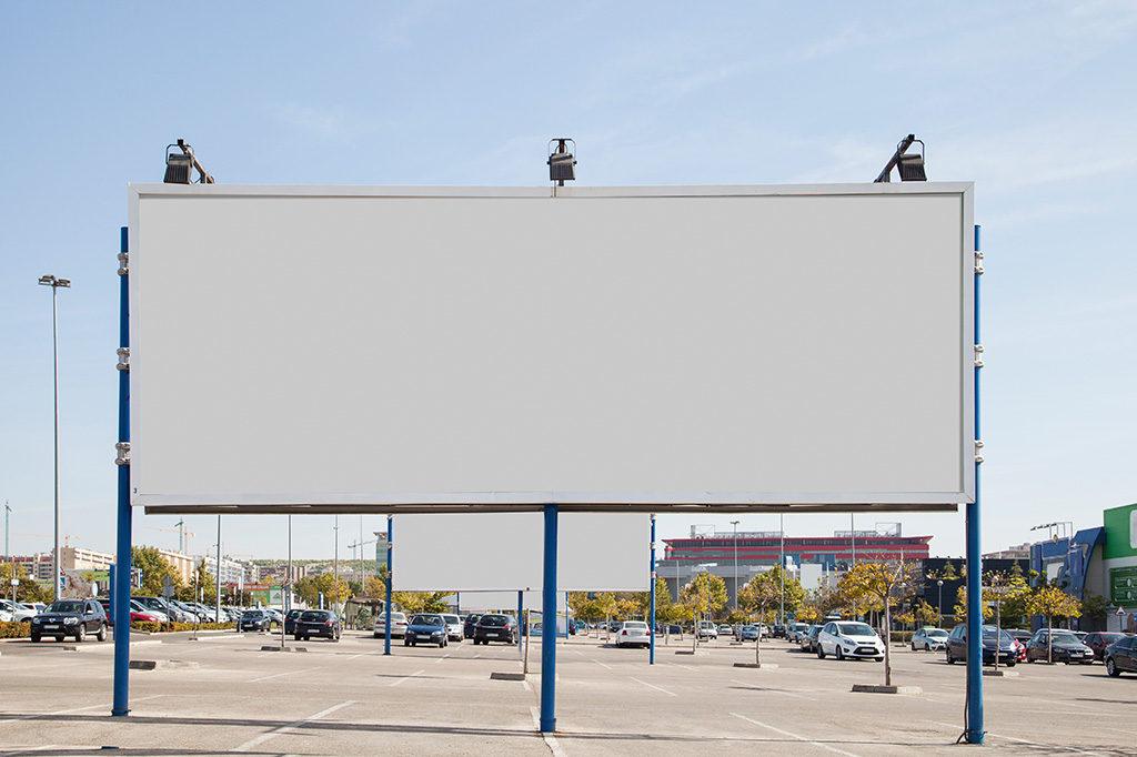 屋外に看板を出したい!広告の種類と特徴をご紹介